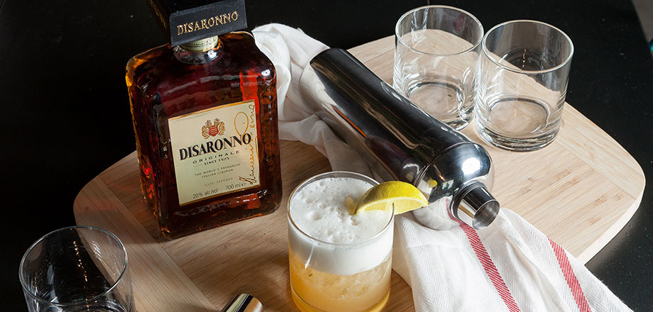 Di Saronno Sour: Welcome to sweet and sour happy hour